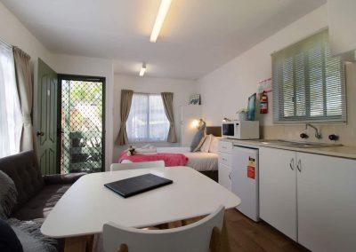 cabin-2-lounge