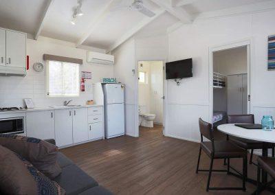 cabin-5-living-area