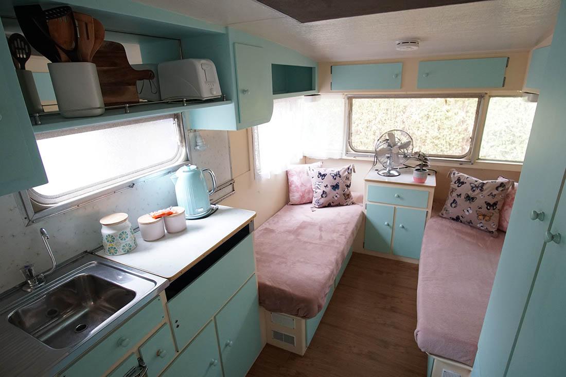 dorothy kanasta caravan park. Black Bedroom Furniture Sets. Home Design Ideas