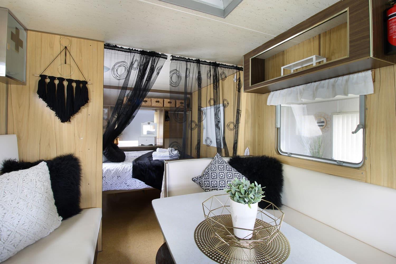 elizabeth kanasta caravan park. Black Bedroom Furniture Sets. Home Design Ideas